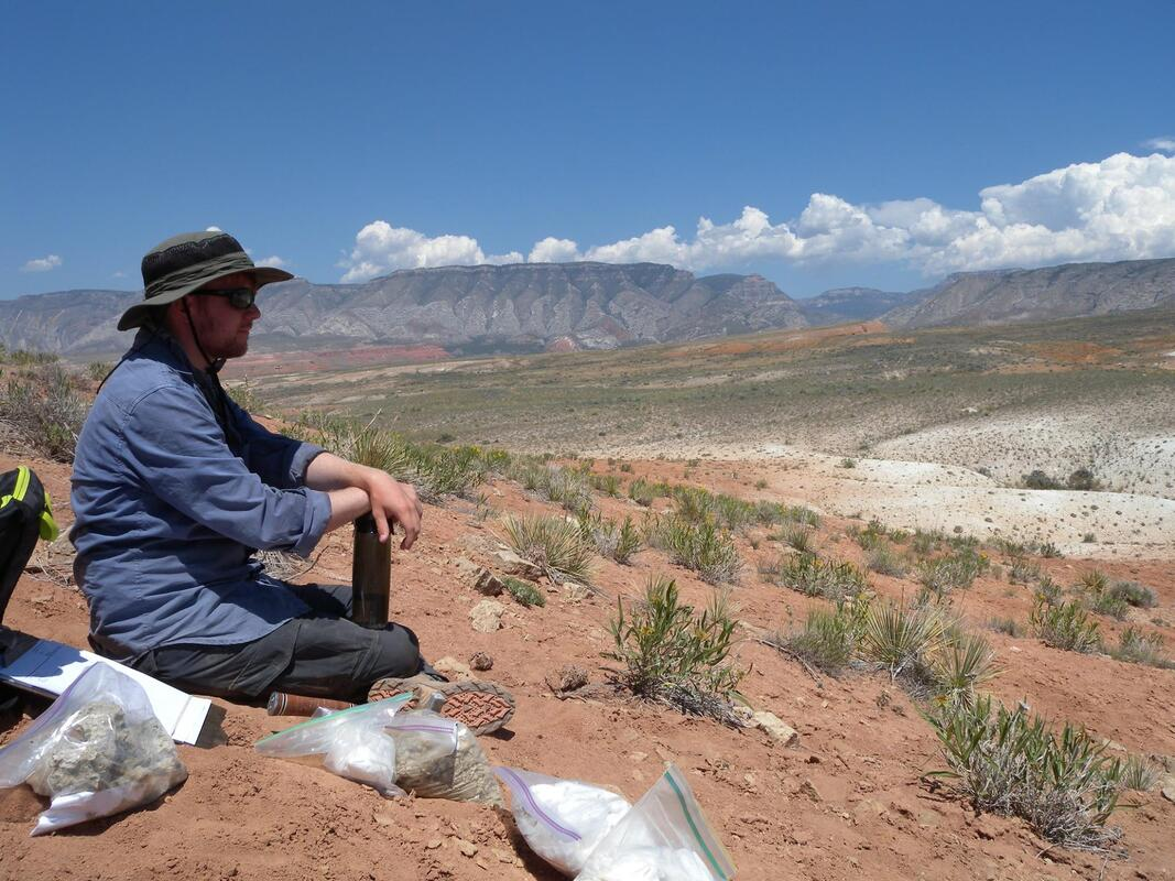 Collecting Jurassic marine fossils in Wyoming, photo credit Silvia Danise